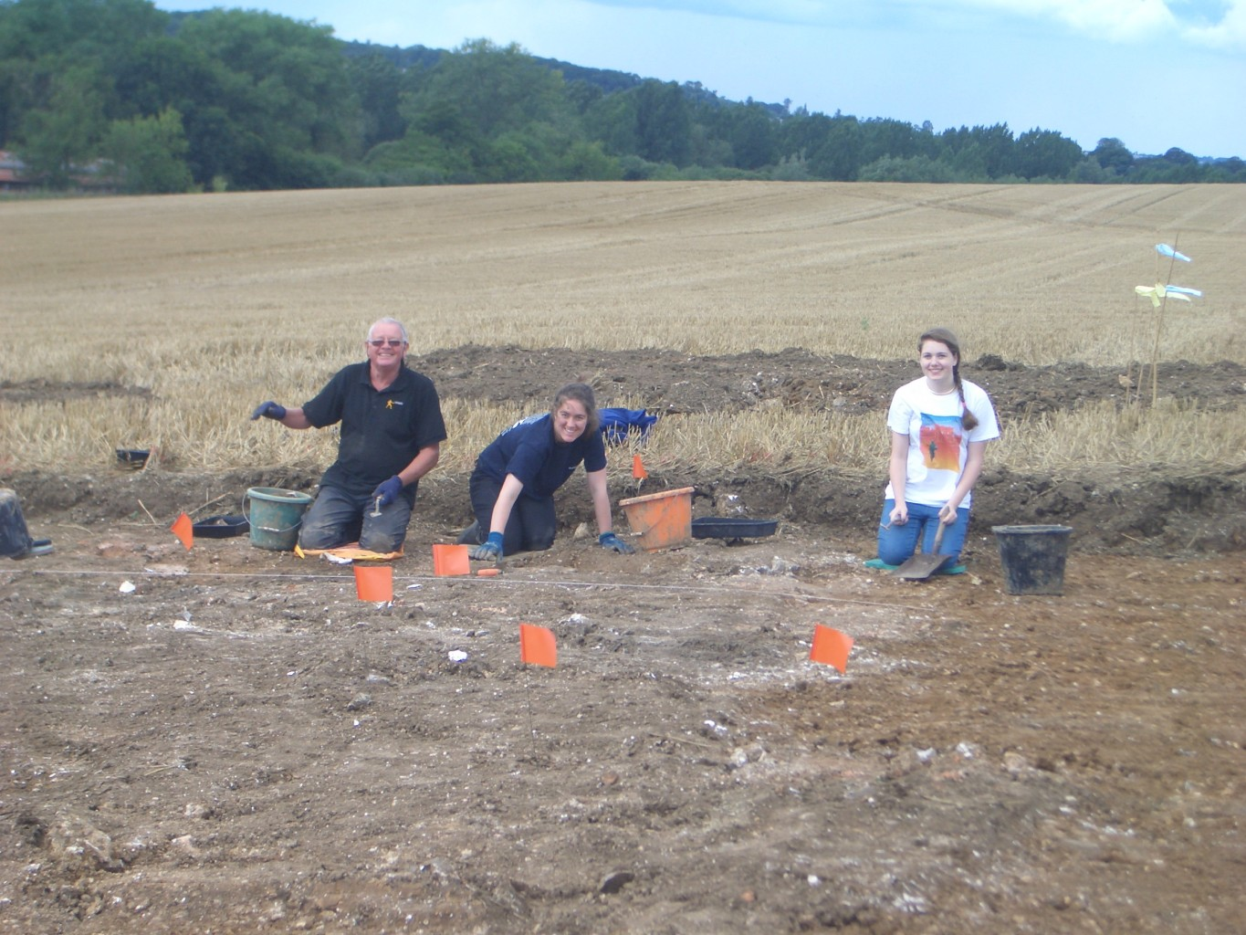 Jim, Eleanor and Freya start to unearth a wonderful find - another building on this amazing site!